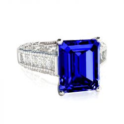 Jeulia Large Center Stone Emerald Cut Sterling Silver Ring