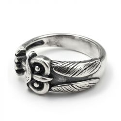 "Jeulia ""Ancient Wisdom"" Night Owl Sterling Silver Men's Ring"
