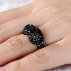 Jeulia Black Tone Round Cut Sterling Silver Skull Ring