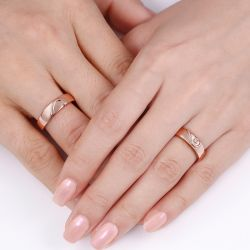 Jeulia Rose Gold Tone Heart Design Sterling Silver Band Set